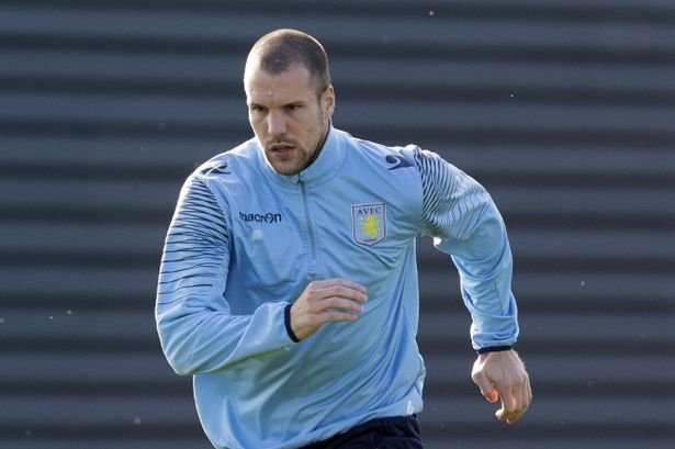 Ron Vlaar Football